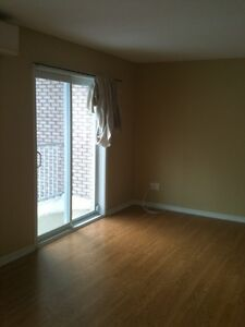 Bright open concept 2 Bedroom Condo with full garage Aylmer Gatineau Ottawa / Gatineau Area image 3