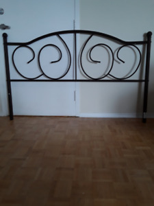 *WROUGHT IRON QUEEN HEAD BOARD AND FOOT BOARD FOR SALE!**