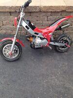 Mini moto 49cc à gaz