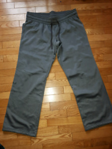Womens Under Armour Pants size large