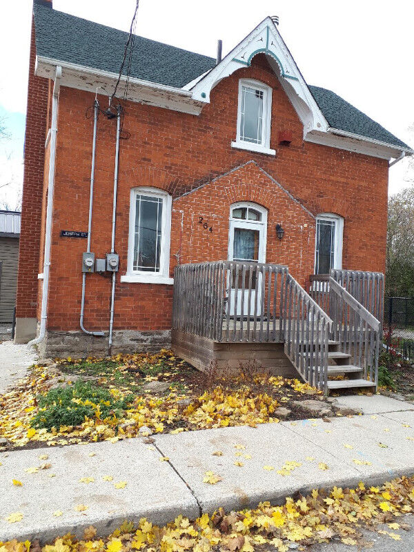House For Rent In Carleton Place Bedroom Bathroom House - 3 bedroom and 2 bathroom house