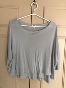 Aritzia Wilfred Loose Crop Top - Dove Grey - Size Small