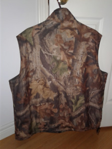 CAMO HUNTING VEST/SPECIAL FABRIC TECHNOLOGY/NEW BARELY USED