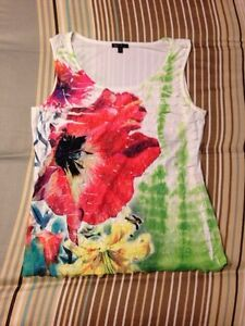 selling flower tank top size small