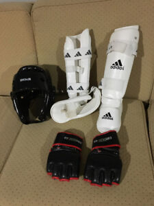Sparring gear for martial arts