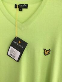 BNWT Lyle & Scott vintage V small