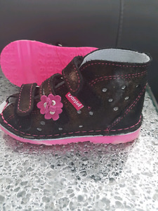 Size 6 toddler leather sandals or home/daycare shoes