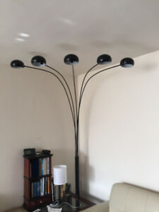 5 Arms Arch Black Floor Lamp, works perfectly