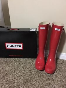 Brand New Genuine Hunter Boots Size 10
