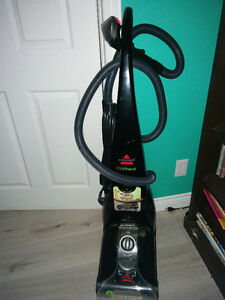 BISSEL CARPET CLEANER WITH HEAT SETTING