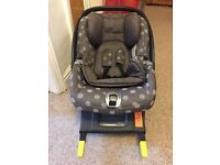 Mamas and Papas Primo Viaggio car seat and isofix base