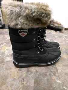 NEW 'Superfit' ladies winter boots size 7