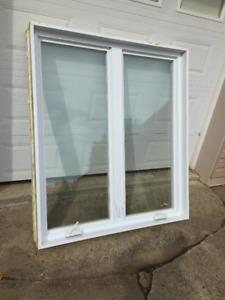 Fenêtre à battants hybride