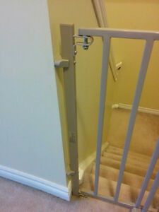 Evenflo Secure Step Top of Stairs Gate Kitchener / Waterloo Kitchener Area image 3