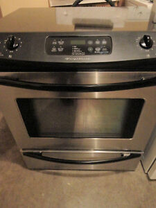 SS Frigidaire Slide in Glass Stove in Excellent Condition