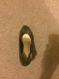 New look khaki green court shoe size 6