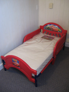 CARS TODDLER BED LIGHTNING MCQUEEN & NEW MATTRESS $145 or RO