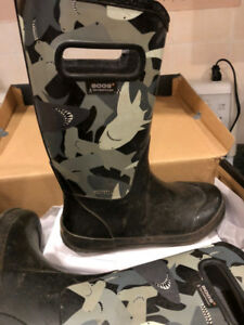 Big Kid Boys BOGS Boots and shoes For Sale