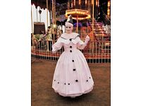 Entertainers - living statues - walk-abouts