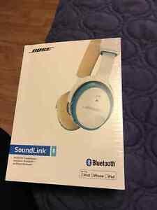 Bose Soundlink Bluetooth Headphones