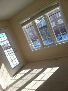 2 rooms for rent Derry and Thompson