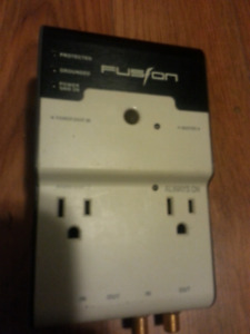 Fusion surge protector/outlet splitter