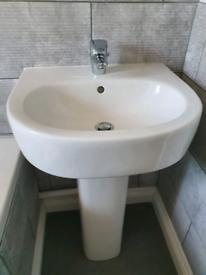 Kohler bathroom sink and tap