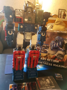 Transformers titan Fortress Maximus
