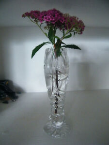 PINWHEEL CRYSTAL SMALLER HEIGHT FLOWER VASE - GIFT OR SELF