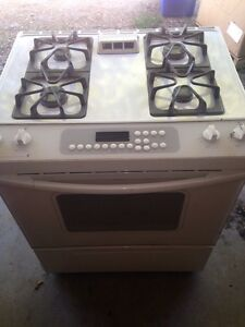 Kenmore Self Cleaning Gad Range Stove