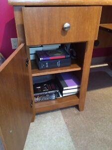 Oak Veneer Work/student Desk. Kawartha Lakes Peterborough Area image 3