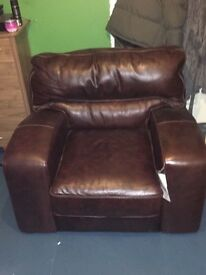 BRAND NEW DFS EX DISPLAY CONQUER, conker leather chair new ex display rrp£1250