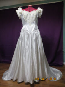 Wedding Dress Size 20. See last picture for size details