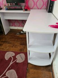 Corner desk white