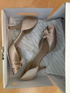 Aldo's Pivin Women's Peep Toe Shoes Regina Regina Area image 2