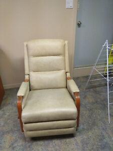 2 fauteuils La-Z-Boy berçants et inclinables