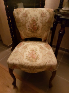 2 chaises STYLE LOUIS XV
