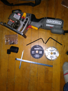 Rockwell versacut saw with 3 blades