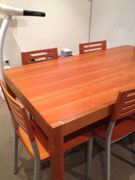Dining Table Gumtree Dining Table Sydney : KGrHqIOKo8FJRQneGpBST1K8P4820 from diningtabletoday.blogspot.com size 450 x 600 jpeg 32kB