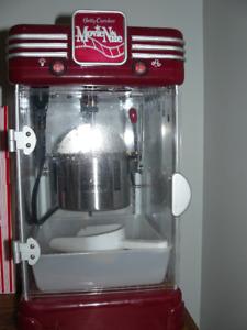 Betty Crocker Movie Nite Cinema-Style Kettle Popcorn Maker