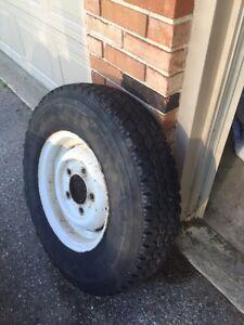 7.50R16c tires like new on Land Rover Defender steel wheels Sarnia Sarnia Area image 7