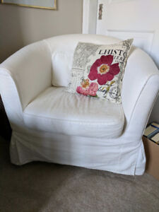 Tullsta armchair with white cover