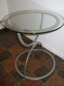 Quality End Table with Bevelled Glass Top