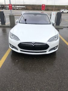 2014 Tesla Model S Sedan only 45,500km