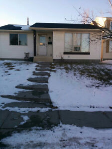 Price reduced - Great Family House / First months $800 only.