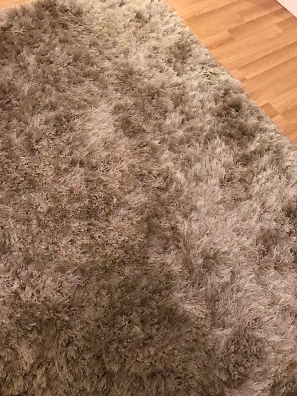 Lovely shaggy mink rug £35