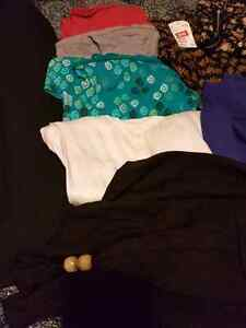 Lot of womens size L clothes. 11 items for $15! Kingston Kingston Area image 3