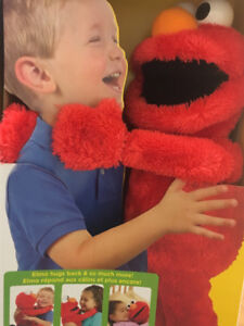 BIG HUGS ELMO INTERACTIVE BRAND NEW IN BOXES