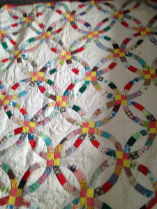 5 Different Quilts in Different Sizes for Sale.....