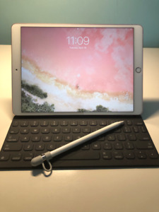 iPad Pro 10.5 64gb WiFi + Apple Keyboard + Apple Pencil + Sleeve